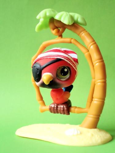 365 Toy Project - Day 222: A Pirate's Best Friend by Sakuya Masaki.