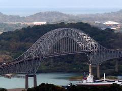 Curved Span (Reinalasol) Tags: bridge landscape puente flickr land april vista panama 2009 ancon panamacanal april2009 cerroancon panama2009 reinalasol
