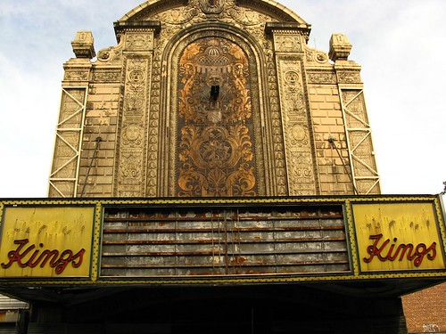 The derelict Loews Kings Theater in Brooklyn, Aug09