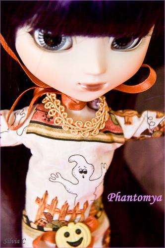 Phantomya