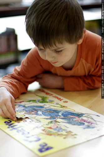 finishing a jigsaw puzzle @ the library - MG 0468.JPG