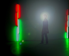 Contemplating Light and Color (yushimoto_02 [christian]) Tags: people art museum canon germany munich mnchen geotagged person persona europe bellasartes arte kunst exhibition museo contemplating ausstellung exposicion pinakothekdermoderne pinakothek kunsthalle pinakothekmoderne exhibicion 10faves lightandcolor abigfave lightofnight schneknste bellaarte schoenekuenste