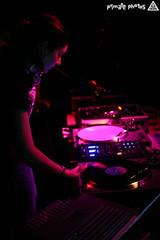 Fluid 057 (Dan Correia) Tags: topv111 powerbook macintosh dj laptop mixer gina turntables canonef35mmf2 drumnbass finalscratch ladyg cdjs