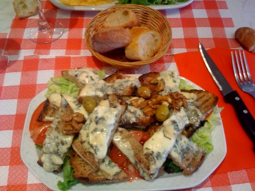 Salad with bleue d'Auvergne