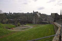 Chteau de Fougres (JPR2657) (Jack_from_Paris) Tags: tour bretagne fortification chteau mdival beffroi fodal chteaudefougres nikond300