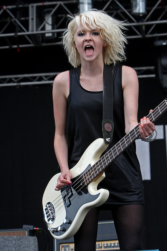 "Charlotte Cooper From ""The Subways"" preforming at Oxegen 08 ..."