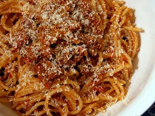 Spaghetti almost-bolognese