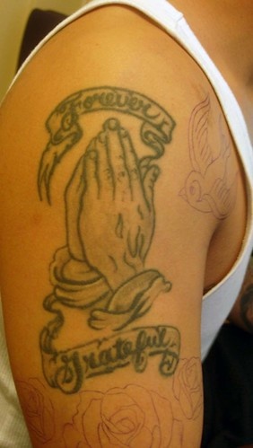Kroogy Search - image - prayer hands tattoo