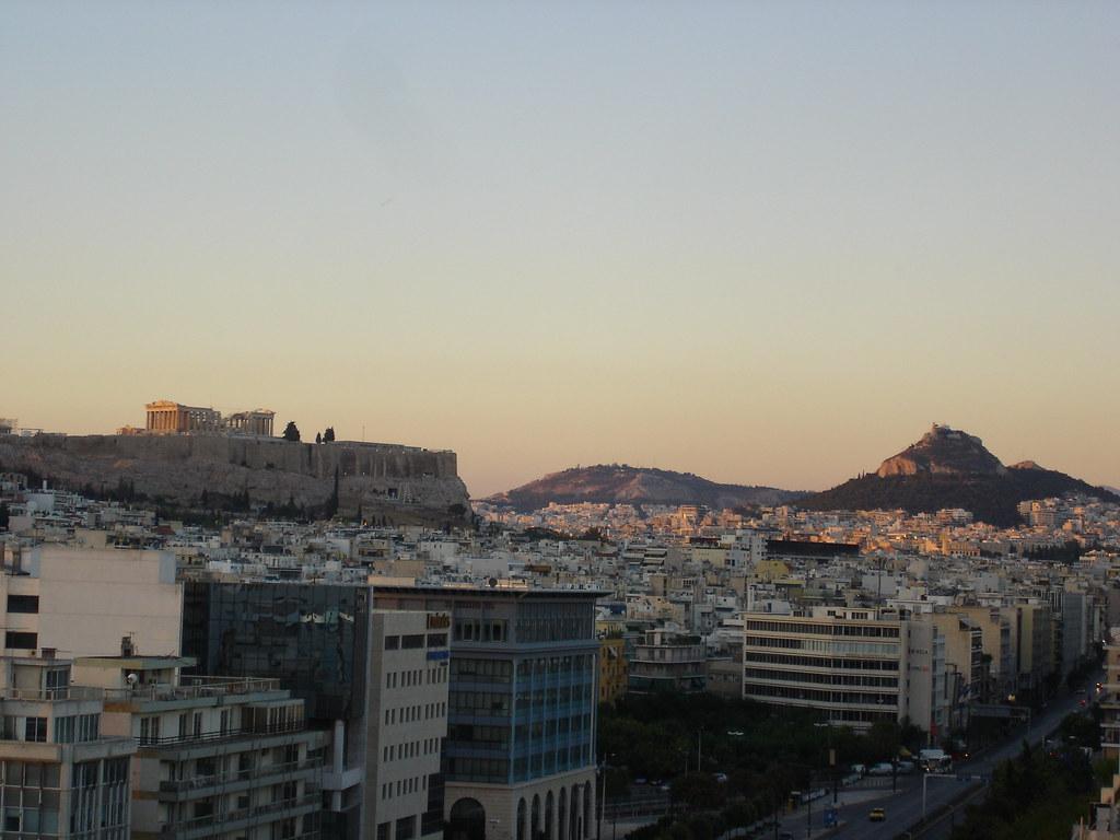 Atenas ao lusco-fusco