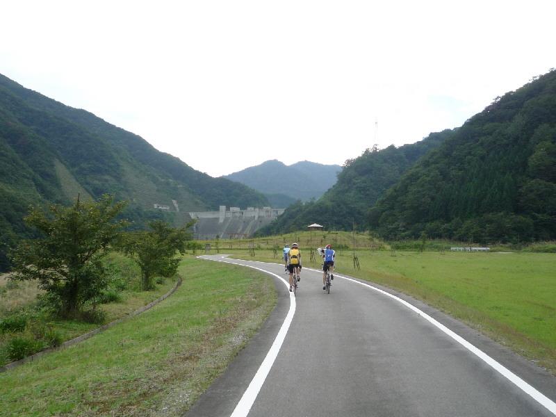 久婦須川ダムを行くつお〜い方々。
