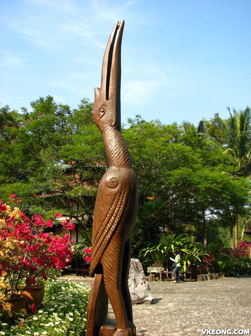 hornbill-statue