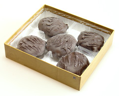 Koeze Cream-Nut Dark Chocolate Peanut Butter Cluster (Bloomed)