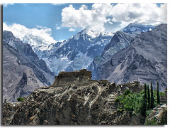 """baltit fort"" ulter meadows trek (TARIQ HAMEED SULEMANI) Tags: pakistan mountains trekking lakes kkh sensational hunza tariq treks northernpakistan baltit kareemabad baltitfort ulter supershot addictedtoflickr mywinners platinumphoto anawesomeshot concordians sulemani goldstaraward ultermeadows"