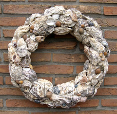 Oyster-shells Wreath (Oesterschelpen Krans) (Made by BeaG) Tags: original nature creativity see design pretty artist belgium designer handmade unique oneofakind ooak belgi wreath creation round krans walldecor unicum couronne tabledecoration doordecoration homedecoration marcb tabledecor walldecoration doordecor oystershells doorgift uniquedesign recycledecor originaldesigner creativedesigner oystershellswreath oesterchelpenkrans uniekontwerp designedandmadebymarcb ontworpenengemaaktdoormarcb handgemaaktekrans gedecoreerdekrans kransmaken fireplacedecoration recyclehomedecor designerwreath designerwreaths