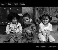 Happy kids from Sanaa (Znapshot.) Tags: boys kids mirror yemen sanaa aden jemen taizz marcobecher michaelatischer wwwmarcobecherde znapshot