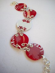 Red and White Circles (2) (Jupita) Tags: colors beads jewelry starbucks recycledart bracelet wearableart recycle giftcard glassbeads repurpose upcycle starbuckscard trashion plasticcard upcycledgiftcard necklacemjupita