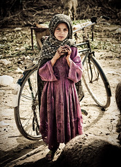 Hello Stranger (| HD |) Tags: world poverty pakistan 20d girl canon child little who poor health hd organization darwish hamad tb beautifulgirl islamabad tuberculosis pakistanigirl wwwhamaddarwishcom