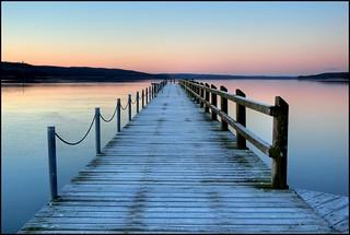 Brücke in den See