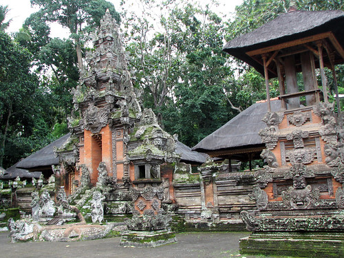 ubud_monkey_forest_temple