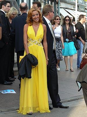 jlolie robe jaune.jpg