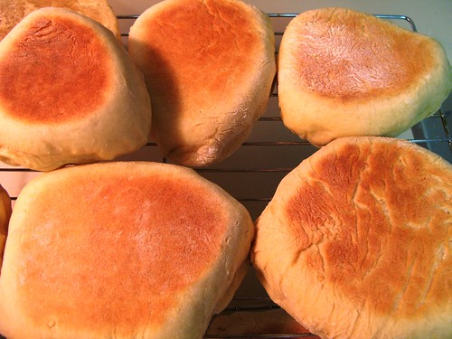 english_muffins_closeup
