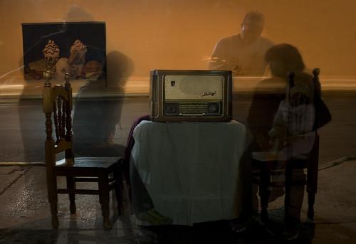 La Radio Permanece (by El Pelos Briseño)