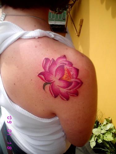naga moa tattoo flor de ltus