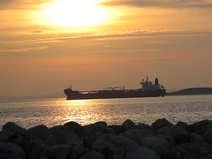 090 (sweetangelnewfie58) Tags: clouds sunsets sailboats tankers
