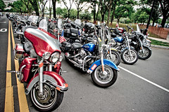ready to roll (blahmni) Tags: washingtondc remember motorcycles lincolnmemorial dcist memorialday veterans armedforces lightroom rollingthunder servicemen presets somegaveall allgavesome servicewomen tamronspaf14mmf28asphericalifrectilinear henrybacondrivenw tamronsp14mm28 dragan1
