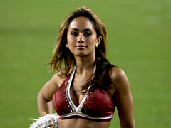 WASHINGTON REDSKINS CHEERLEADERS (nflravens) Tags: washington football cheerleaders nfl hunter redskins nflfootball washingtonredskins redskinettes profootball washingtonredskinscheerleaders washingtoncheerleaders redskinscheerleaders nflravens shoreshotphotography