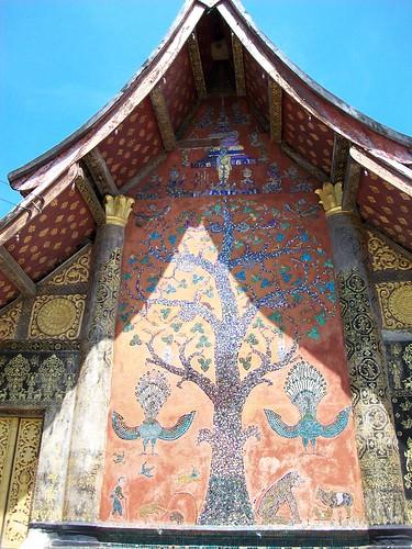 Wat Xieng Thong rear wall mosaic