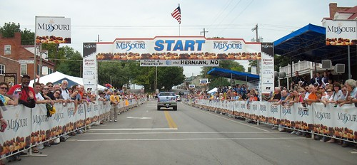 IMG_8702 - Hermann start line, Tour of Missouri 2008