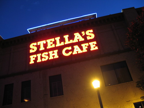 Stellas Fish Cafe, Minneapolis, Minnesota, July 2008, photo © 2008 by QuoinMonkey. All rights reserved