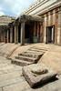 Sravanabelgola, sanctuaire jain (Calinore) Tags: india architecture asia religion karnataka jain inde sanctuaire jainism sravanabelgola jainisme