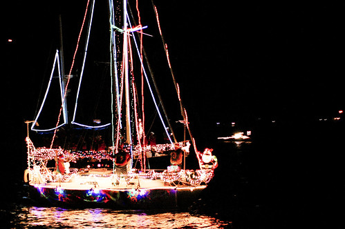 boat christmas parade 16