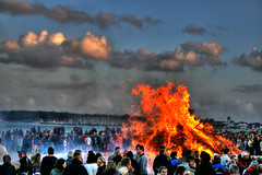 Fire HDR (FelixTheHouseCat) Tags: summer people beautiful juni canon denmark fire eos amazing nice fantastic december colours view sommer smoke awesome scandinavia desember 2008 viewpoint danmark hdr pictureperfect fyn brann ryk bl mennesker kerteminde eos400d canoneos400d svegh felixthehousecat