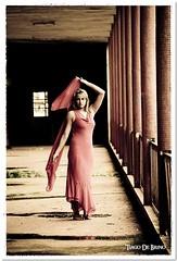 Miliane (Tiago De Brino) Tags: de ensaio book nikon modelo tiago vestido loira hospicio sanatorio brino d40x