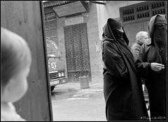 Confrontations voilées. Stupeur de l'innocence. Marrakech (Maroc) (philippelaurens) Tags: travel sunset vacation people blackandwhite bw sun white black france color nature colors photo nikon europe flickr raw noir day pics islam tripod hijab best fave explore maroc innocence marrakech faves niqab shiningstar planetearth bestphoto theflickys 469 voilées kartpostal caravansérail stupeur flickrbest flickrplatinium d700 amazingshots flickraward flickrdiamond eperkeaward rubyaward beautifullshot nationalgéographic theperfectpinkdiamond nikonaward thelightpainterssociety championsflickr artofimages thedantecircle flickrstoday