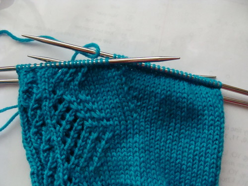 Diamonds & Cables Sock - gusset
