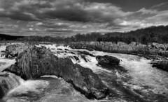 Great Falls, Virginia (brents pix) Tags: white black river virginia nikon pix great kitlens falls va brent dcist potomac 1855 hdr brents d300 photomatix 7exp brentspix