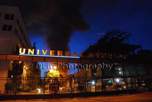 Universal Studios entrada en incendio
