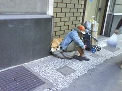 morador de rua (Anderson Mola) Tags: cidade dog sopaulo homeless sampa cachorro viagem urbano rua pobre mola mendigo pedinte pobreza lcio