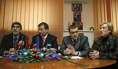 Vakulenko, junto a Bartomeu, Kushchenko y Vatutin. Foto: www.cskabasket.com