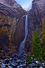 Yosemite National Park - Lower Yosemite Falls.jpg (Darvin Atkeson) Tags: california park winter portrait usa snow color yosemitefalls nature america photography us waterfall nationalpark nikon long exposure raw nef d70 nevada parks sierra national waterfalls yosemite lower nationalparks naturephotography loweryosemitefalls darvin  outdoorphotography  atkeson californiaphotography outdoorphotographer anawesomeshot  darv californiaphotographer   liquidmoonlightcom liquidmoonlight