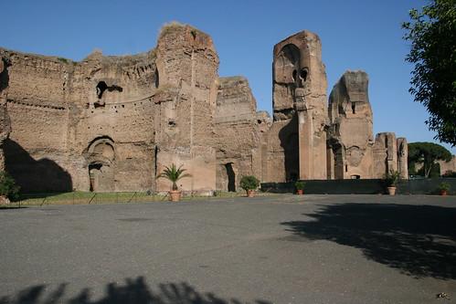 La entrada de las Termas de Caracalla por josealoly.