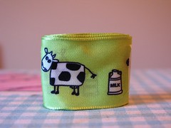 cows_green (redcleo) Tags: green milk cows ribbon wiredribbon jcarolinecreative
