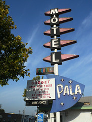 Pala Motel (jericl cat) Tags: sign neon budget dive motel diamond plastic googie vacancy rca pala colortv