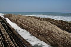 Rasa mareal    Sep08 (andresbasurto) Tags: naturaleza color azul mar agua bonita olas rocas rasa guipzcoa zumaia flysch mareas mareal