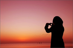 .    . (Arwa Photo) Tags: pink sea beach girl silhouette saudi  ske ksa alhasa  arwa     ghawass  aluqayr