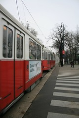 Strassenbahn (Ichthys101) Tags: vienna wien tram strassenbahn kunsthistorischesmuseum ausria romanantiquity greekantiquity